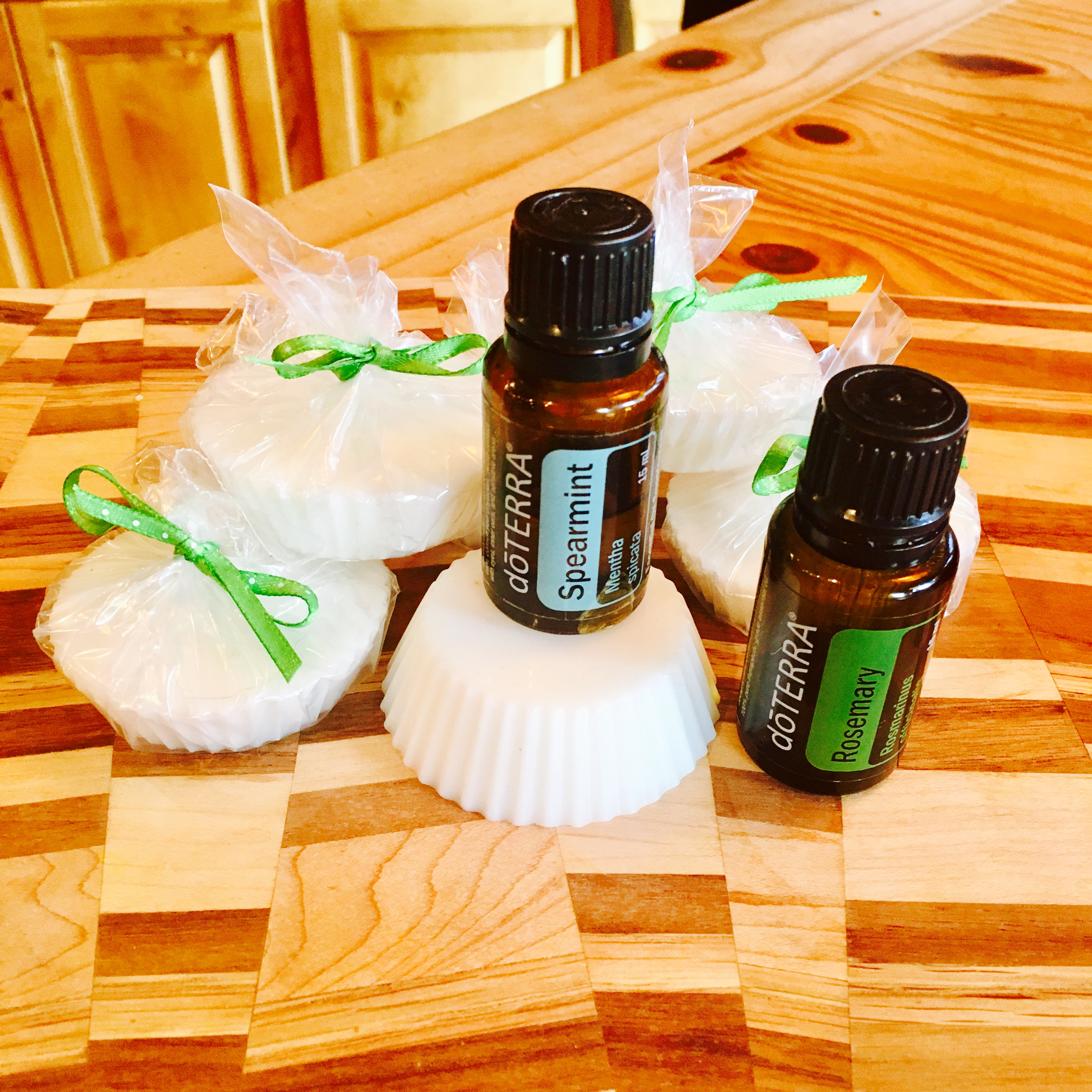 Diy Soap Essential Oils 5 Minute Diy Spearmint Rosemary Soap With Doterra Essential Oils