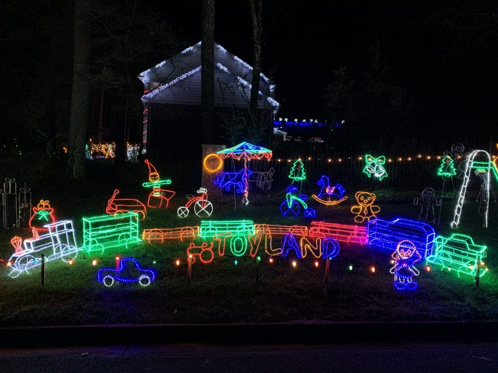 2020 Best Neighborhood Christmas Lights Around Atlanta