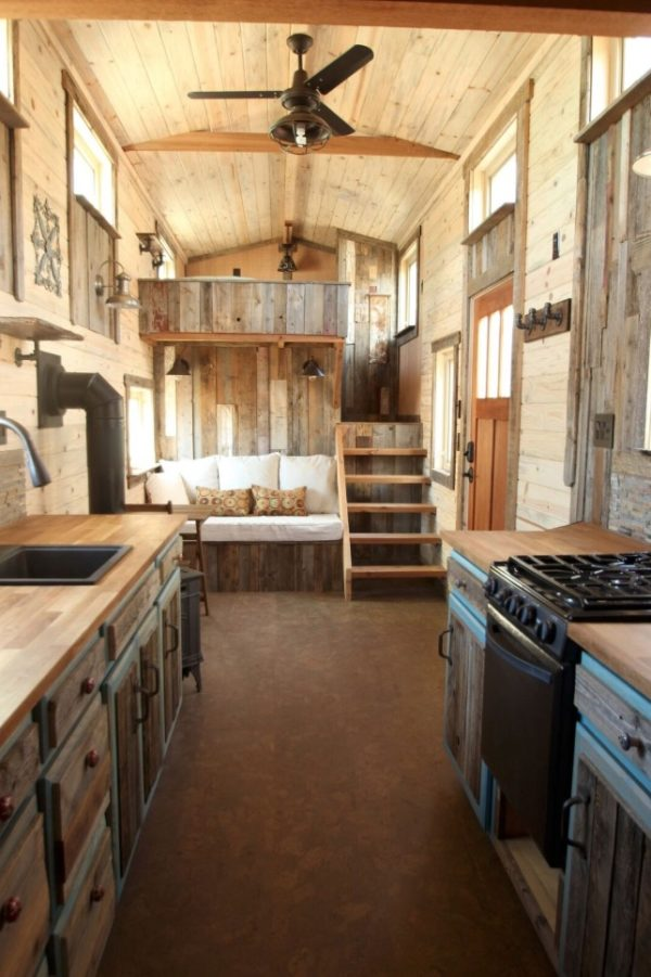 Woman 39 S Blissful 24ft Gooseneck Tiny Home