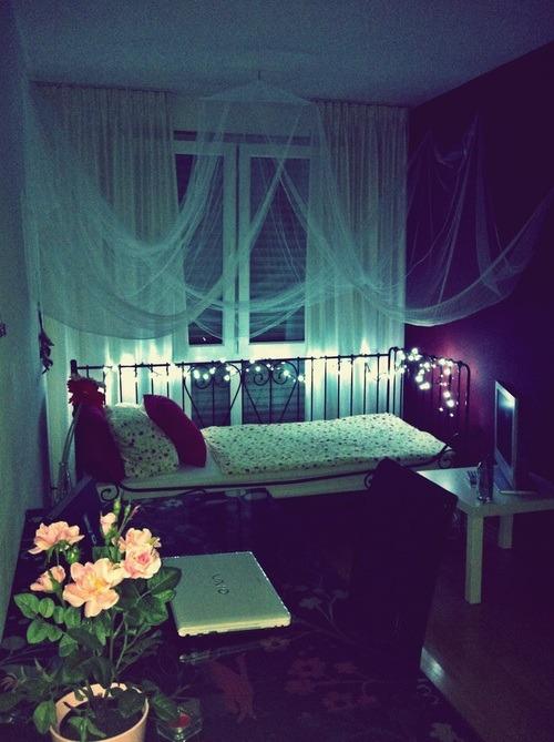 Dark Cozy Girl Wallpaper Roominspiration Tumblr
