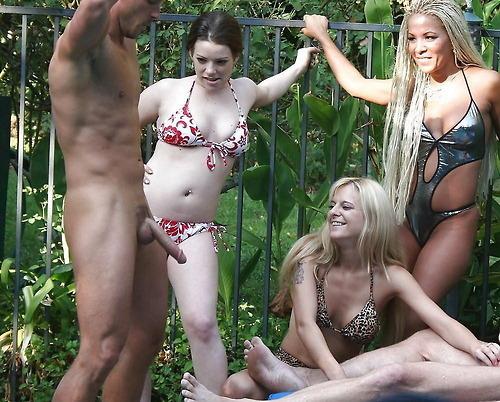sexy housewife posing nude