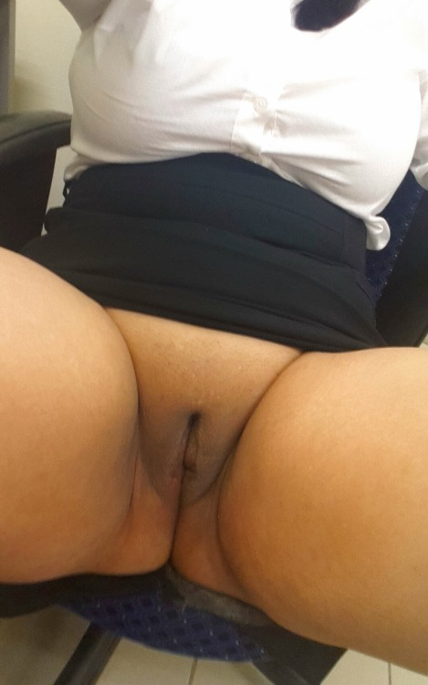 women bored at work flashing