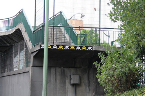 visionary-vandalism:   Summer invasions by Space Invader in Paris, France