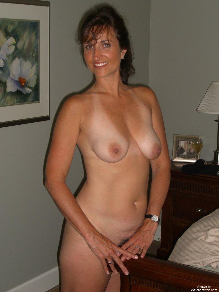 amateur moms with tan lines