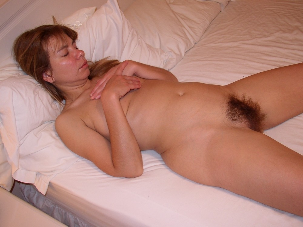 playing with sleeping moms hairy pussy