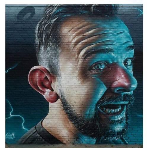 badbugs:like this awesome guy !!! https://facebook.com/smuggraffiti
