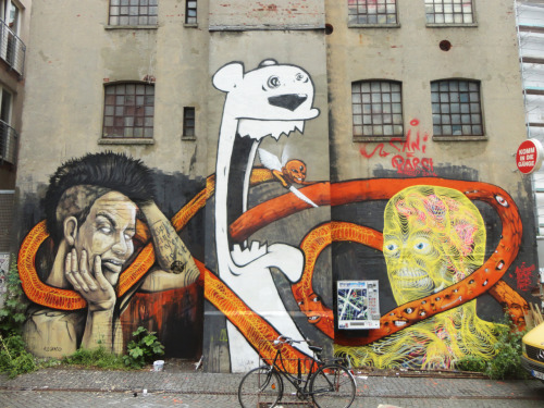 humanslikeme:  Awesome piece by AweR with Alesenso, Bimer & Tenia in Hamburg
