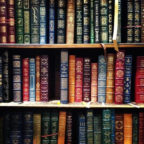 Wallpaper That Looks Like Books On A Shelf Book