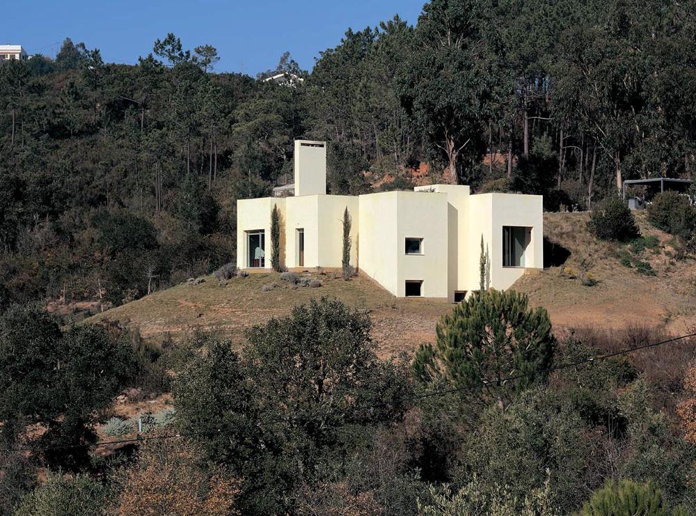 House in the Sierra de Arrábida by Eduardo Souto de Mora casas - commercial rental agreement template free