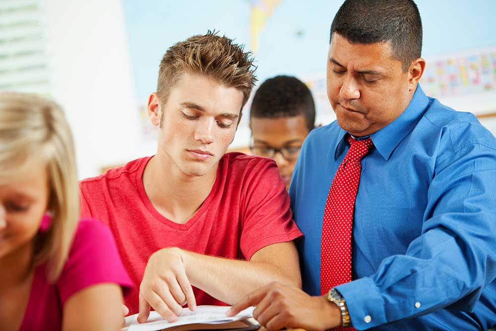 What does a Teacher Assistant do and how to become One