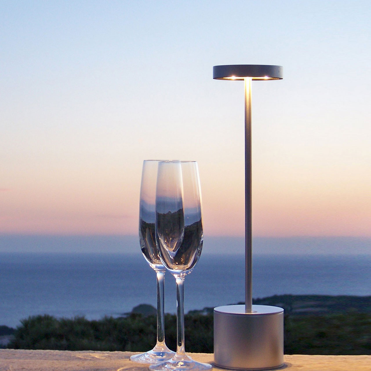 Lampe De Table Rechargeable Buy Luxciole At Bright On Presidio