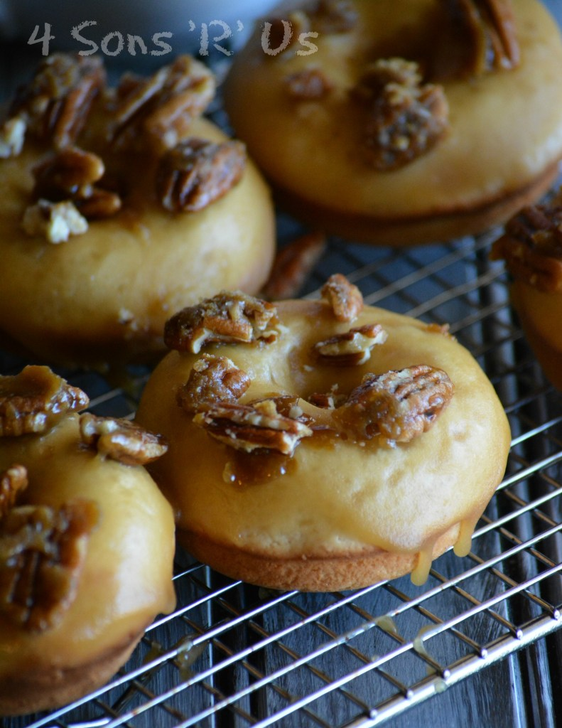 baked-pecan-praline-donuts-3