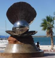lapaz-statue3