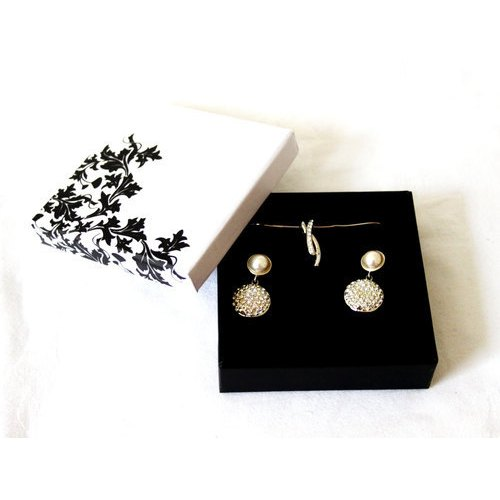 Jewellery Gift Box - Premium Jewelry Box Manufacturer from Delhi