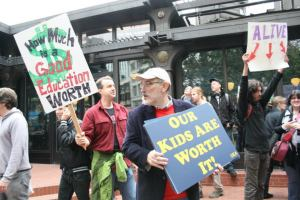 REA members join Occupy Portland