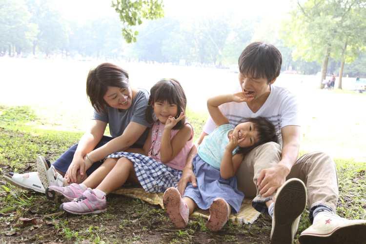 普段着で家族写真