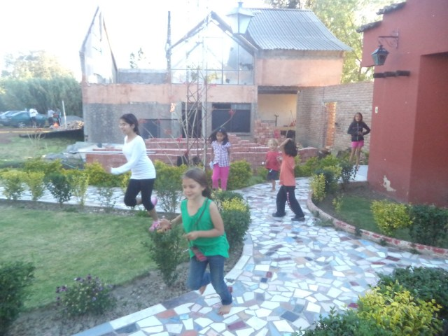 The kids had great fun with the children at Las Lilas Hostel near Cochabamba.