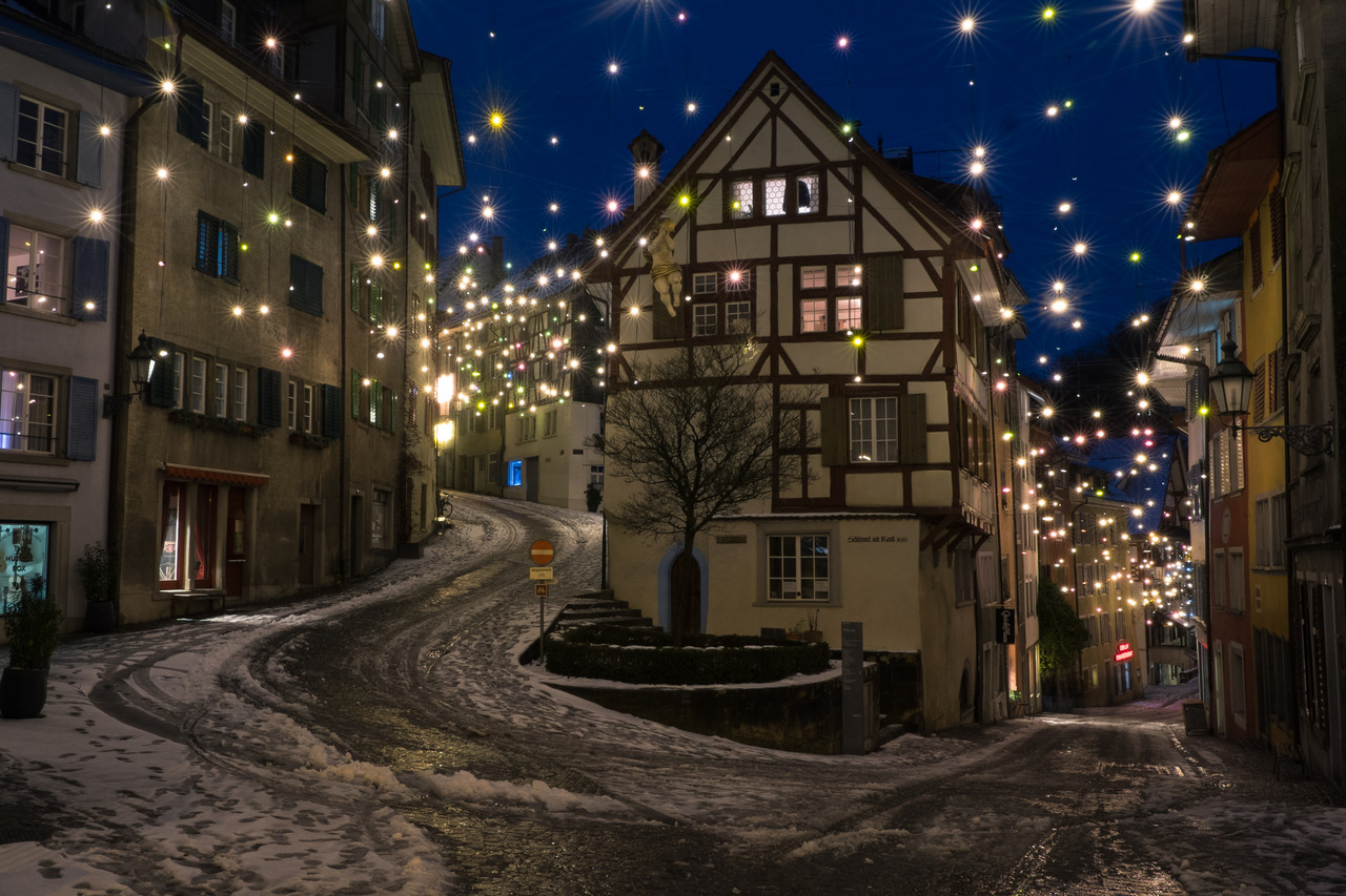 Urban Photography Throwback To The Christmas Lights In The Old Town