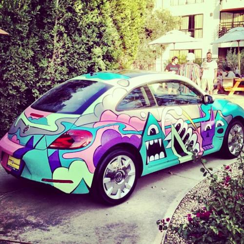soupmagazine:  Gregmike #streetart #murales #sprayart #urbanart #graffiti #cars www.streetcnina.blogspot.it