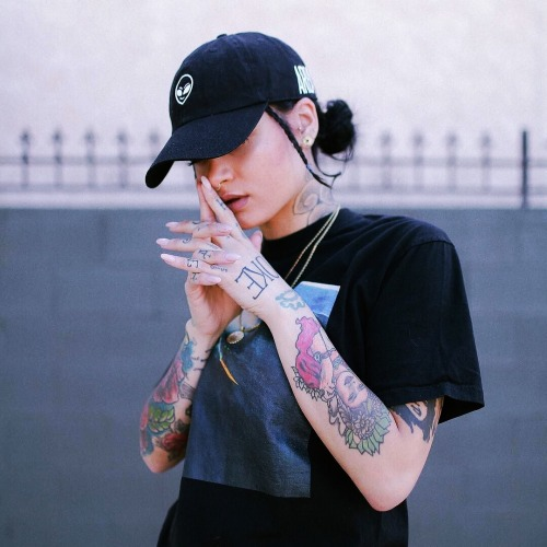 Gangsta Girl Iphone Wallpaper The Feminine Tomboy Tumblr
