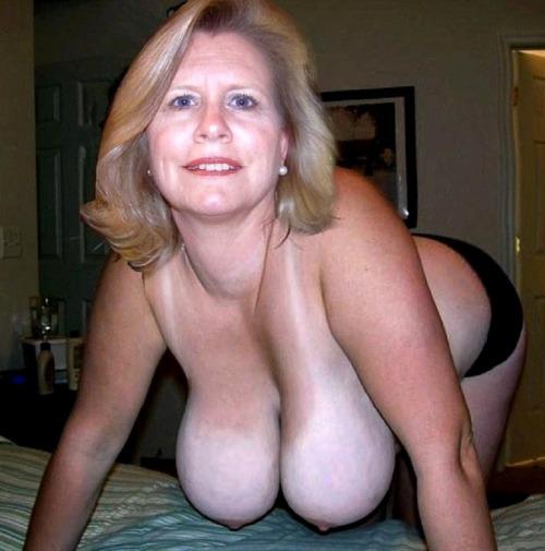 mature amateur grandma