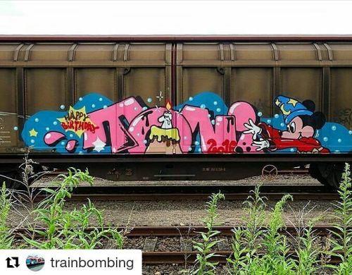 bombingscience:  #Repost @trainbombing ・・・Toni Via: @shorejesus #trainbombing #train #trainart #art #colourful #colour #graff #grafftrain #graffiti #love #bombing #bomb #spray #sprayart #spraypaint #paint #painter #tag #graffart via Instagram http://ift.tt/29O6qxw