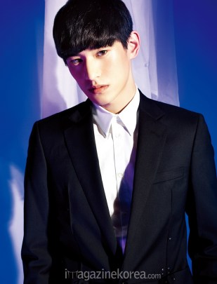 Kim Tae Hwan by Ahn Ji Seop for Esquire Korea April 2016