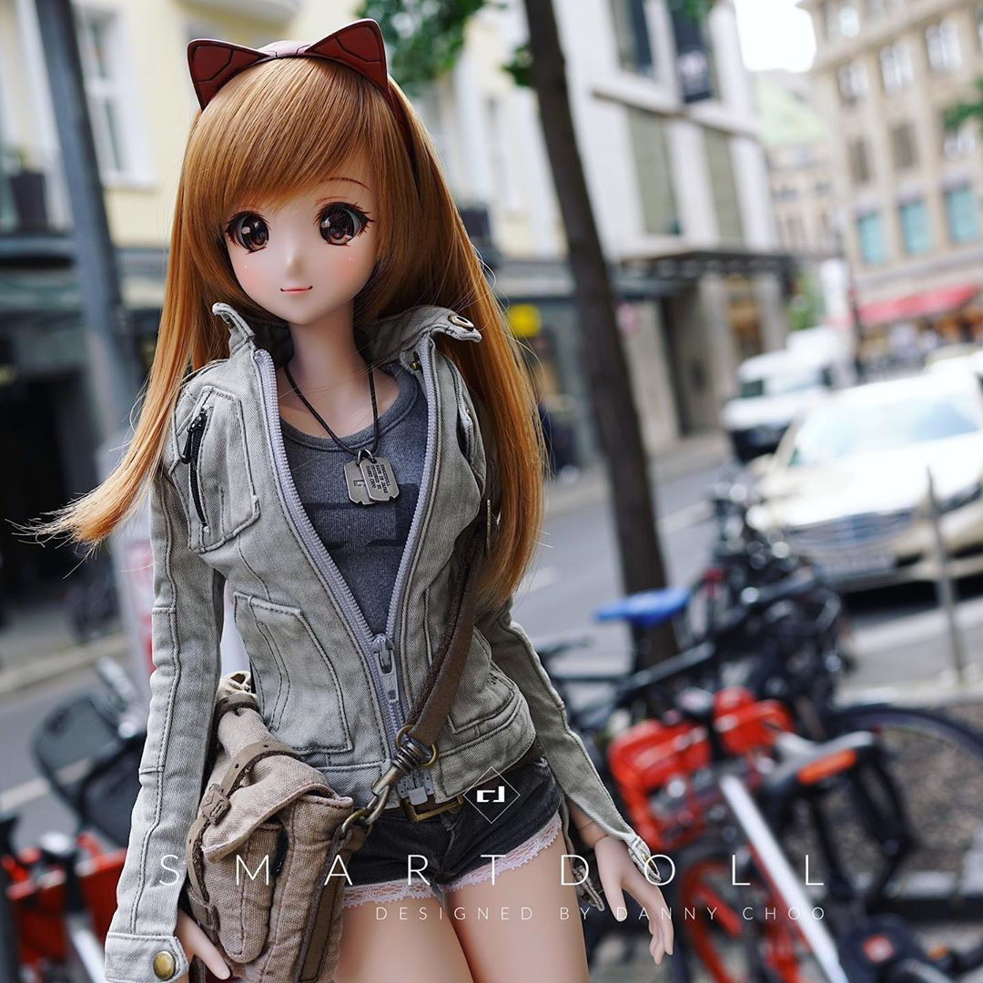 Lag Düsseldorf Culture Japan Mirai Trying To Get Over Jet Lag By Walking Around