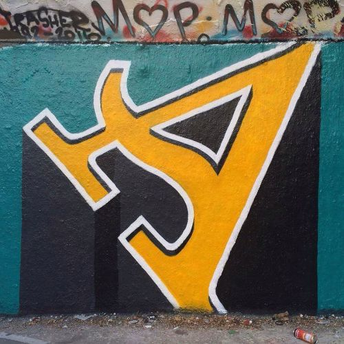 streetartglobal:  Typography meets Graffiti by @jdbarranger#globalstreetart #design #germany #letter #typographyhttp://globalstreetart.com/jdbarranger https://www.instagram.com/p/BJPd7AeDk3P/