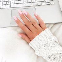 pink and white acrylic nails | Tumblr