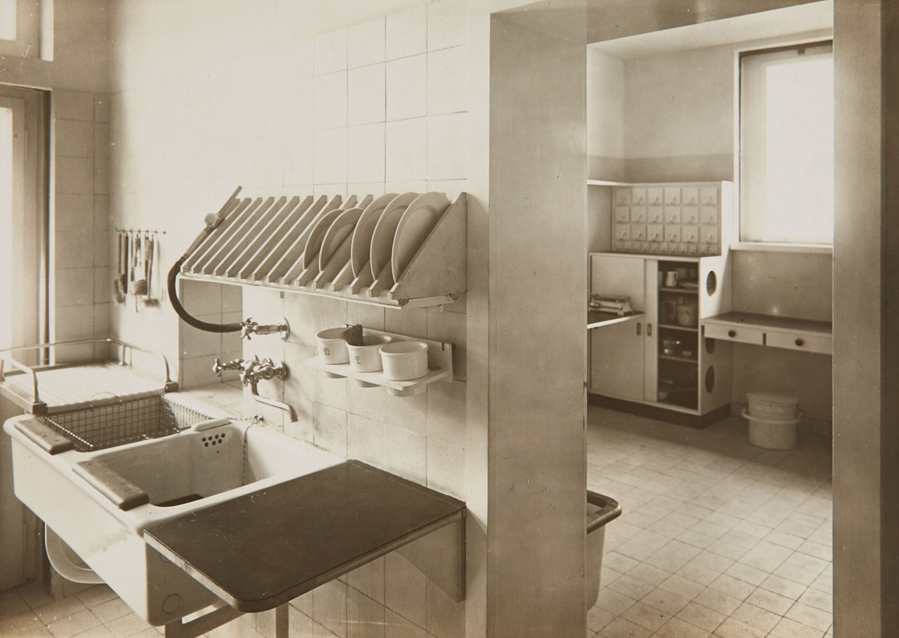 Bauhaus Küchenplaner Design Is Fine History Is Mine Lucia Moholy Kitchen