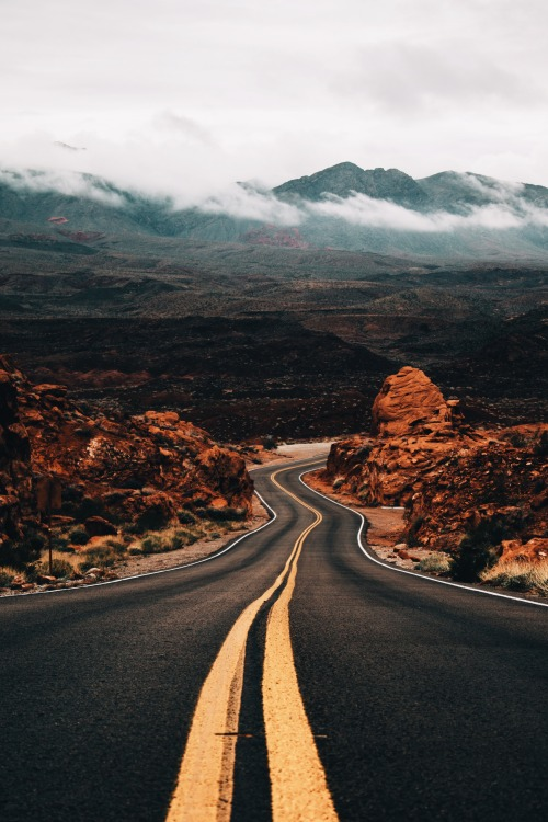 Car In Desert Hd Wallpaper Road Tumblr