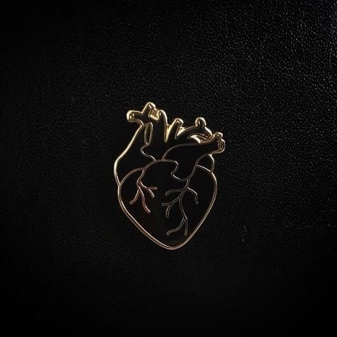 Boy Fall In Love Wallpaper Heart Of Gold Aesthetic Tumblr