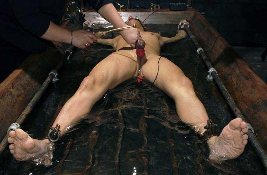 gay male extreme bdsm