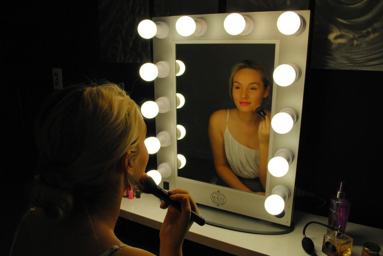Beauty Mirror Beauty And Mirrors How To Choose The Best Lighted Vanity