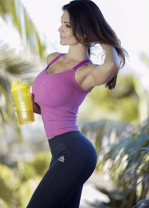 Girls In Yoga Pants Wallpaper Denise Milani Matefit Tumblr