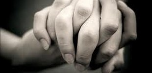 t_460x0_lesbians_holding_hands