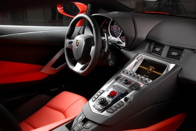 lamborghini-aventador-lp700-4-interior-2-680x453 Aventador LP 700-4 Coupe