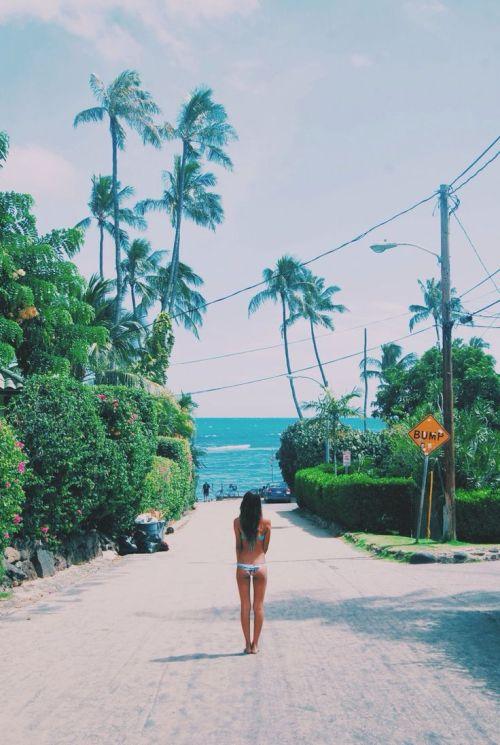 Hawaiian Tropic Girl Wallpaper Hawaii Cromwells Tumblr