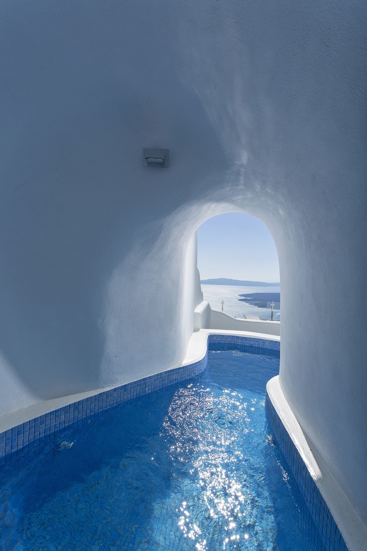 Chambre D Hote Santorin 12 Sensational Cave Pools In Santorini Luxury Accommodations