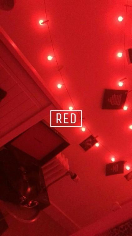 Water Iphone Wallpaper Fondo Rojo Tumblr