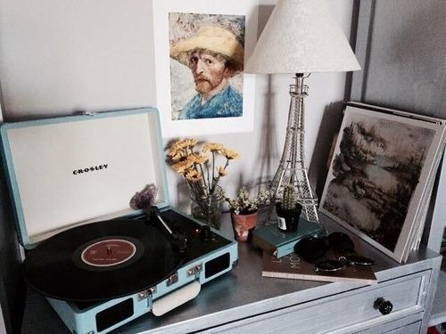 Dark Cozy Girl Wallpaper Record Player On Tumblr