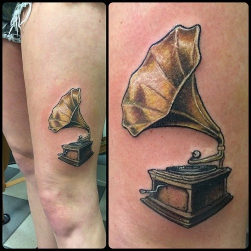 One of these do-hickeys #recordplayer #antique #tattoo #colortattoo #tattoos @broadstreettattoo