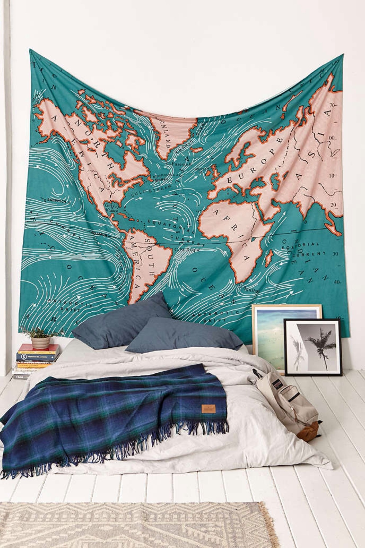 Travel Themed Dorm Room Urban Outfitters Forever Re Creating My Bedroom Beryl
