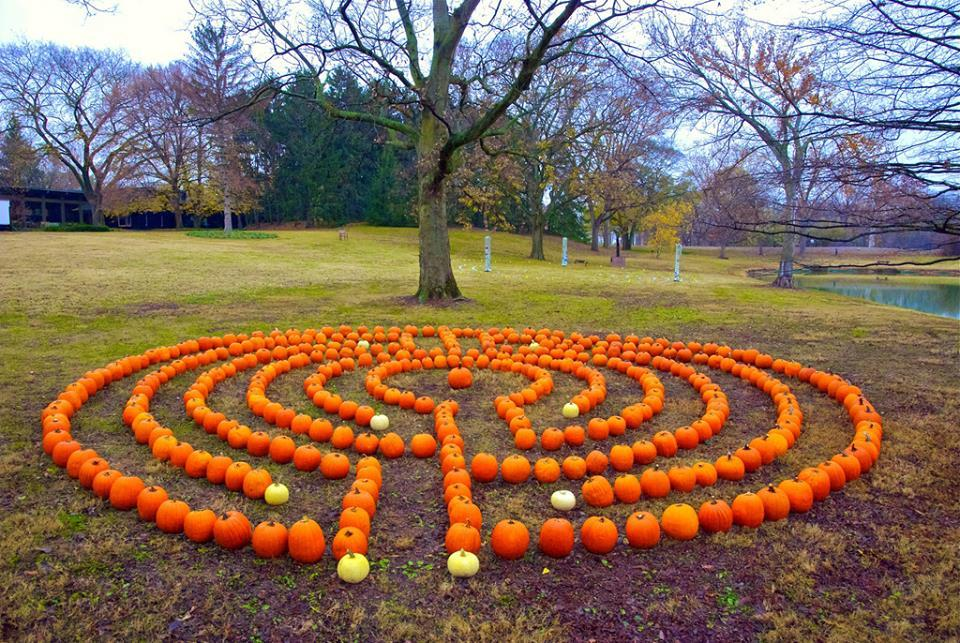 LABYRINTH STONE DESIGNS Great Pumpkin Labyrinth - another idea - labyrinth garden design