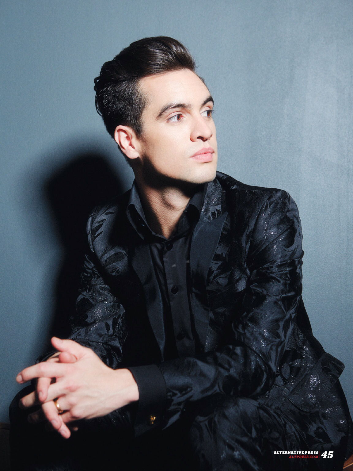 Cute Fall Out Boy Wallpapers Brendon Urie On Ap 330 Article Fall Out Boy Amp Etc
