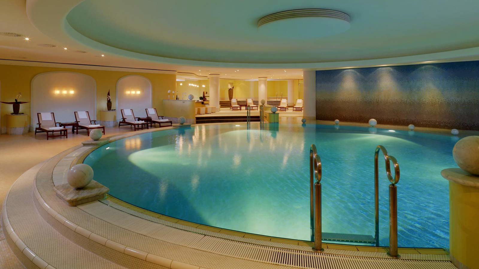 The Westin Grand Hotel Berlin Spa Hotel And Much More - Pools In Berlin