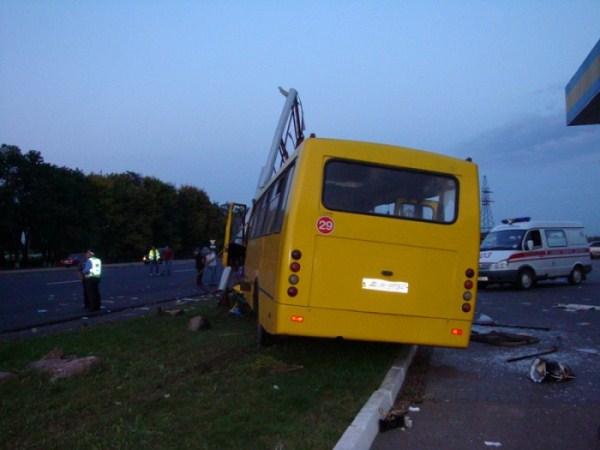 В оренбургском ДТП погибли два человека