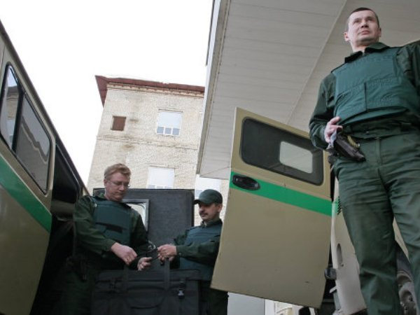 В Петербурге произошло разбойное нападение на инкассаторов
