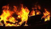 В Ростовской области загорелся гараж, в котором находился дорогой автомобиль